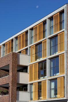 As Fachadas Dinâmicas HunterDouglas<SUP>®</SUP> são uma alternativa atrativa para ampliar o conforto térmico e visual de ambientes corporativos e residenciais, possibilitando a criação de fachadas funcionais, modernas e arrojadas.