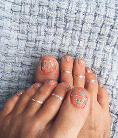 Cactus print toes nail art