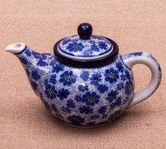 TETERA DOS TAZAS DESIRE BLUE Handmade with love. Este producto ha sido elaborado y pintado a mano por expertas artesanas. Doble cocción a 1300ºC única en el mundo, brillo y dureza extraordinarios en el uso diario. #handmade #taza #mymoment #decoración #hogar #tazas #arte #ceramica #artesanal #pottery