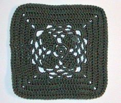 December Jewel Granny Square,by Kimberly Andrew... Free pattern!