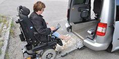 Se hva hun kjører rullestolen rett inn i Nei, du trenger ikke en diger kassebil for å få med deg en elektrisk rullestol. Elin Ekdahl klarer seg med mye mindre. http://www.ergostart.no