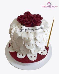 Anneler Gününe Özel Doğum Günü Pastası