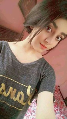 Hot Pakistani Actresses 🇵🇰, [Mar 2020 at AM] Alizeh Shah Beautiful Blonde Girl, Beautiful Girl Photo, Cute Girl Photo, Beautiful Hijab, Cute Girl Poses, Girl Photo Poses, Cute Girls, Stylish Girls Photos, Stylish Girl Pic