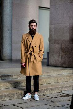 Trench coat & stan smith