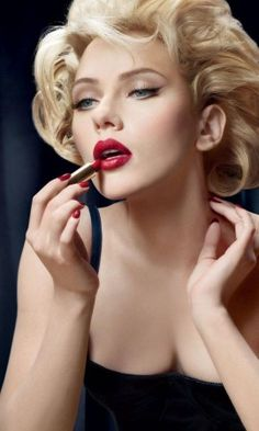 Marilyn Monroe inspired hair & make-up as worn by Scarlett Johansson