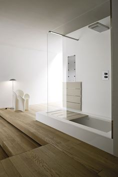 UNICO - Baignoire-douche encastrable by Rexa Design Sunken Bathtub, Built In Bathtub, Bathtub Shower, Shower Floor, Big Bathtub, Luxury Bathtub, Freestanding Bathtub, Bad Inspiration, Bathroom Inspiration