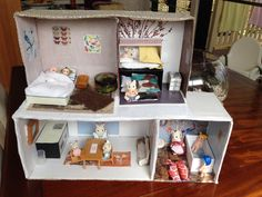 Box dolls house DIY