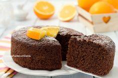 La torta arancia e cioccolato senza bilancia si prepara in 5 minuti senza pesare nulla e senza burro, è profumatissima e super soffice!