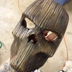 that's cool wood mask! yay or nay? Wood Carving Art, Wood Art, Abstract Sculpture, Wood Sculpture, Masque Halloween, Cool Masks, Creepy Masks, Skull Mask, Masks Art