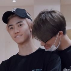 """""""jaemin and jeno's friendship through the years,a thread:"""""""