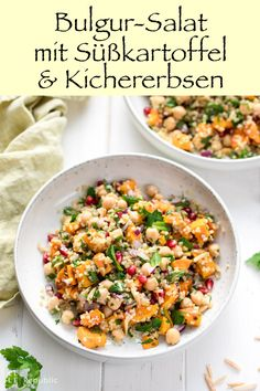 Bulgur-Salat mit Süßkartoffel, Kichererbsen und Kräutern This fresh bulgur salad with sweet potato, chickpeas and herbs is just right for a healthy and hearty lunch. Whole Foods, Whole Food Recipes, Vegetarian Lunch, Vegetarian Recipes, Herb Salad, Salad With Sweet Potato, Potato Salad, Healthy Salad Recipes, Healthy Lunches