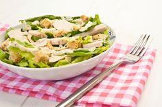 Ο Καίσαρας διέσχισε τον Ρουβίκωνα και... ο κύβος ερρίφθη! Για το κυριακάτικο τραπέζι, σαλάτα Ceasar's με κοτόπουλο #Ανέζας Άρτας http://bit.ly/1Eghaul Επειδή μια καλοφτιαγμένη φρέσκια σαλάτα νικάει όλα τα περίτεχνα κρέατα ευκολότατα.