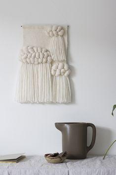 Une décoration bohème avec du wall hanging / tressage avec de la laine                                                                                                                                                     More
