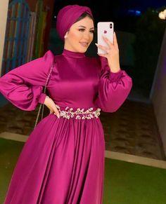 Hijab Evening Dress, Hijab Dress Party, Evening Dresses With Sleeves, Abaya Fashion, Muslim Fashion, Fashion Dresses, Stylish Dresses, Casual Dresses, Prom Dresses