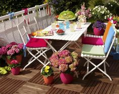 Balkon Dekorasyonu için Masa Takımları