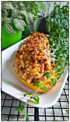 Salmon Burgers, Vegetable Pizza, Baked Potato, Mashed Potatoes, Baking, Vegetables, Ethnic Recipes, Food, Diet