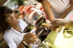 Vinho tinto ou Branco ? http://vinhoemprosa.com.br/2013/02/vinho-que-te-quero-tinto-ou-branco-que-te-quero-tanto/