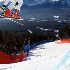 Watch the Women's Alpine Ski World Cup live from Lake Louise on Eurosport this weekend! ⛷🇨🇦📺 #Eurosport #AlpineSki #Ski #Alpine #Skier #Winter #Wintersports #Skiing #WorldCup #World #Cup #FIS #FISAlpine #AlpineSkiWorldCup #Snow #USA #Canada #LakeLouise #Downhill #DH #SuperGiantSlalom #SG #December #EurosportTV #Panoramic #Panorama