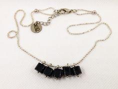 Collier Boho chic entièrement fait main Perles verre noir Chaîne rhodium