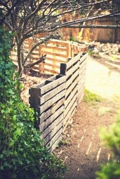 recycled pallet fence - Google Search