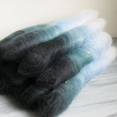 Oh man I'd love to spin this! 35g Hand blended spinning fiber  STORM blue black by Justadaydream, £6.00