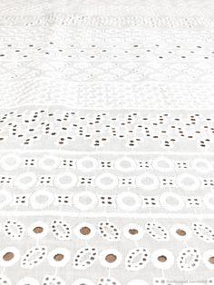 Шитье ручной работы. Вышитая ткань хлопковое шитье белое. Ткани Happy Dress (TkaniHappyD). Ярмарка Мастеров. Красивые ткани