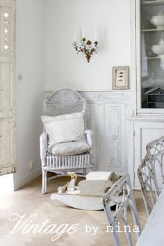 Gorgeous whites, patina, and vintage design