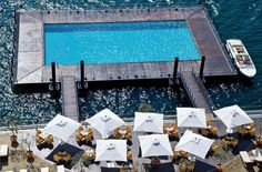 The Grand Hotel Tremezzo swimming pool floats at the edge of Lake Como, in the Italian Lake District. The world's best swimming pools Amazing Swimming Pools, Hotel Swimming Pool, Hotel Pool, Awesome Pools, Lake Hotel, Lake District, Hotels And Resorts, Best Hotels, Spas
