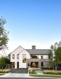 35 Incridible Modern Farmhouse Home Exterior Design Ideas Home Beautiful Modern Homes, Small Modern Home, Interior Minimalista, Dream House Exterior, House Exteriors, Modern Home Exteriors, Modern Farmhouse Exterior, Farmhouse Style, House With Porch