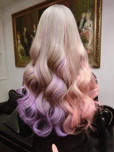 What do you say we give to your blond hair a different look? You do not want to add colorful touches to your blond hair? Colored hair increases its. Pretty Hair Color, Beautiful Hair Color, Pastel Hair, Ombre Hair, Pastel Blonde, Pink Hair, Pastel Pink, Pink Purple, Hair Chalk