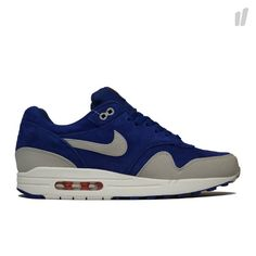 7785312277b9c3 The Nike Air Max 1 gets yet another clean look.