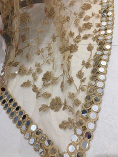 Bridal Dupatta, Pakistani Bridal, Pakistani Dresses, Shadi Dresses, Indian Dresses, Beaded Embroidery, Zardozi Embroidery, Couture Embroidery, Embroidery Motifs