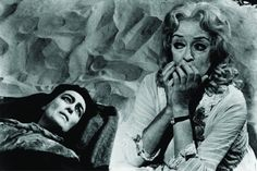 Still of Bette Davis and Joan Crawford in What Ever Happened to Baby Jane? 1962