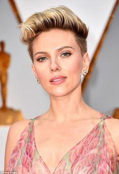 Scarlett Johansson 'files for divorce' from Frenchman Romain Dauriac #dailymail