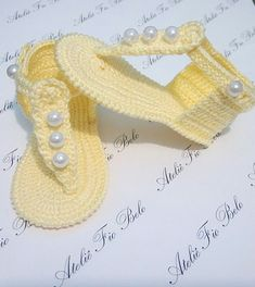 1 million+ Stunning Free Images to Use Anywhere Booties Crochet, Crochet Baby Boots, Crochet Baby Sandals, Crochet Shoes, Crochet Slippers, Baby Girl Sandals, Girls Sandals, Baby Booties, Baby Shoes Pattern