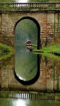 Old Bridge, Shropshire, England                                                                                                                                                                                 Mais
