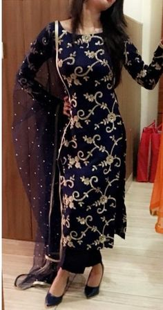 Very pretty dress where will i get from Pakistani Dress Design, Pakistani Outfits, Indian Outfits, Party Wear Indian Dresses, Dress Indian Style, Salwar Suits Party Wear, Indian Wear, Suit Fashion, Fashion Dresses