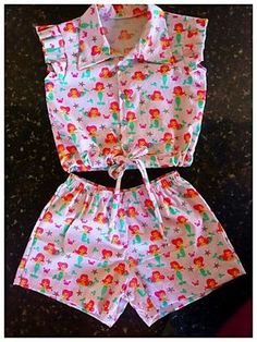 Girls shorts, ruffled shorts sewing pattern by Felicity Patternsskort for children African Dresses For Kids, Little Girl Outfits, Little Girl Dresses, Kids Outfits, Baby Frocks Designs, Kids Frocks Design, Baby Girl Fashion, Kids Fashion, Kids Dress Wear