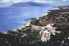 The Renaissance Wailea Beach Resort is located on 15 lush tropical acres on pristine Mokapu Beach. With its gardens, waterfalls and an incredible view of Haleakala volcano, this is a lovely deluxe resort. Warm hospitality mixed with impeccable service assure you a wonderful stay.