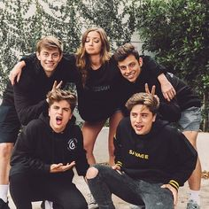 Happy #MothersDay to moms everywhere! Including ours, @erikacostell! ❤️ @emiliovmartinez @ivanmartinez @imchancesutton @imanthonytruj #team10 @jessicache