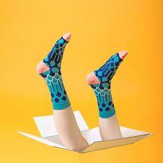 MEASUREMENT<<<  Leg Length: 18 cm Foot Length: 23-28 cm Unisex size, fits foot size 23cm-28cm   >>>DESCRIPTION<<<  73% Combed Cotton 9% Nylon 18%