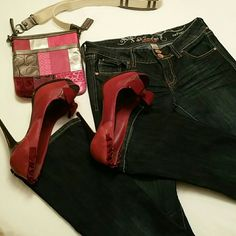 Refuge Knockout Skinny Boot Skinny boot jeans.  Shoes are available for sale. Inseam 30 Jean in great condition. Size 4 short Refuge  Jeans