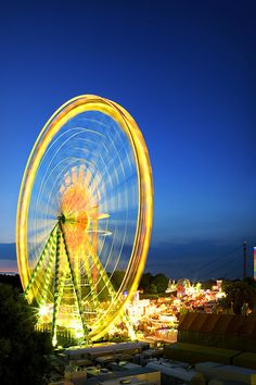 proposal idea: at the top of a Ferris wheel! ask the person running it to stop for a second extra at the very top! Farris Wheel, Amusement Park Rides, Carnival Rides, Light Trails, Amazing Pics, Mellow Yellow, Roller Coaster, Fireworks, Scenery