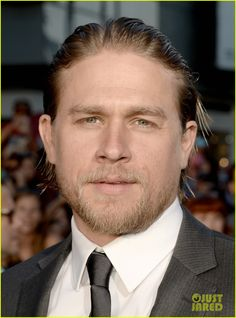 charlie hunnam talks fifty shades of grey for first time 02 Charlie Hunnam makes his first official appearance since his casting in Fifty Shades of Grey while walking the red carpet at the premiere of Sons of Anarchy's sixth…