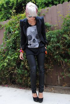 love how the skull tee, leather skinnies and accessories give a classic blazer some edge