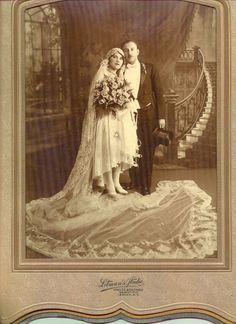 20s bride & groom