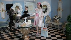 """JNSQ and Showgirl at """"Belles Choses"""" 2 by think_pink1265, via Flickr Barbie Doll Set, Barbie Doll House, Pink Barbie, Diy Barbie Furniture, Dollhouse Furniture, Fancy Shop, Barbie Diorama, Doll Display, Barbie Accessories"""