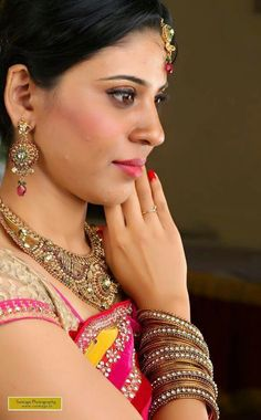 #indian wedding #indian bride #south indian bride#Bridal #engagement makeup #Make up #kerala bride #kerala bridal #kerala wedding #bridal #kerala makeup #makeup #saree #temple jewellery #antique jewellery # bridal #kerala bride #hairstyle #makeup #CATALYST