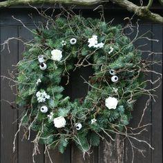 20inch White Floral Wreath