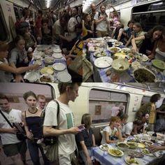 О как придумали) Можно и на Новый год так)  #поезд #Moscow #subway   #перемещение #gaystagram #Юмор #boystagram #призрак #праздник #food #еда #развлекуха #Оченьсмешно #happy  #happynewyea  #новыйгод #смешно #gay #gays #comedy #метро #metro #метрополитен #metropolitan